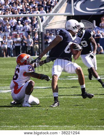 Penn State wide receiver #6 Derek Moye