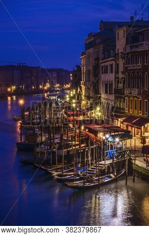 Beautifull Nightshoot Of The Grand Canal With Lights And Boats