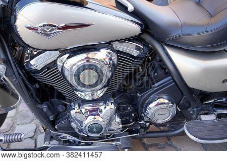 Bordeaux , Aquitaine / France - 08 16 2020 : Kawasaki Classic Motorcycle Tourer Engine Detail Of 170