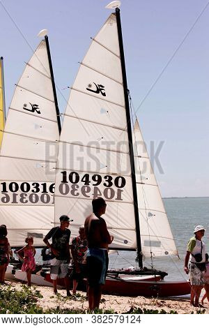 Porto Seguro, Bahia / Brazil - April 22, 2010: Sailing Boats Are Seen During A Race In Porto Seguro.