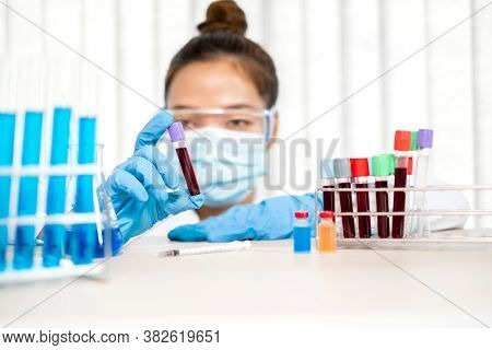 Professional Doctors Perform Find Virus Tests From Samples Of Blood Tests To Diagnose Coronary Virus