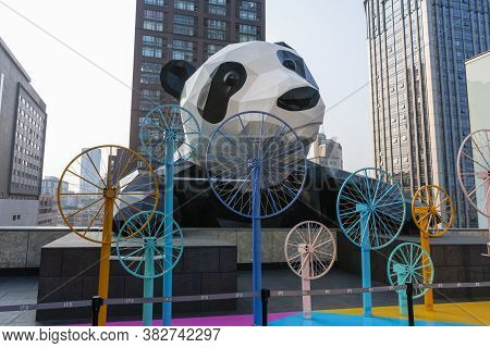 Chengdu, China - Aug 25, 2019: Giant Panda At The Roof Of A Shopping Mall In Chengdu
