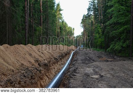 Onstructing Pipelines That Transport Oil, Natural Gas, Petroleum Products And Industrial Gases. A Du