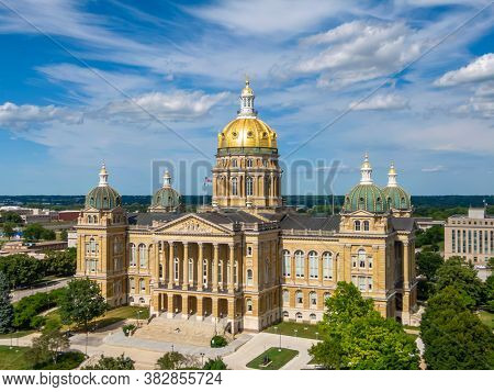 July 19, 2020 - Des Moines, Iowa, USA: The Iowa State Capitol is the state capitol building of the U.S. state of Iowa. default