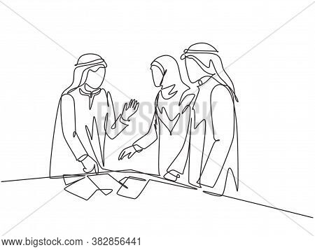 Single Continuous Line Drawing Of Young Muslim Startup Founder Discussing Business Proposal With Tea