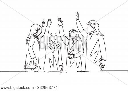 Single Continuous Line Drawing Of Young Male And Female Muslim Managers Voting For Marketing Busines