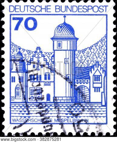 02 11 2020 Divnoe Stavropol Territory Russia The Postage Stamp Germany 1977 Palaces And Castles Mesp