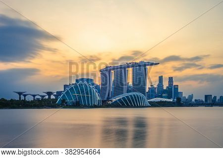 February 4, 2020: Skyline Of Singapore At The Marina Bay With Iconic Building Such As Supertree, Mar