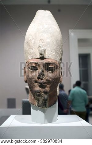 Brooklyn, New York/usa - October 6, 2018: Head Of Early 18th Dynasty King Brooklyn Museum.