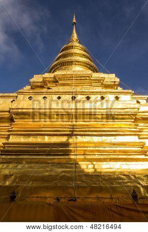 Wat Pra That Chomthong Vora Vihan In Morning , Chedi In Chiangmai Thailand