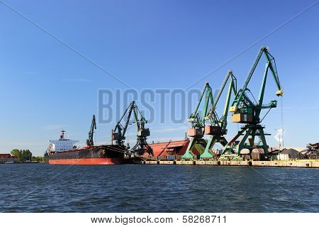 Carbon Loading In Ship