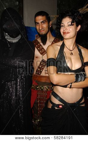 Dr. Dark with Basura and escort at the