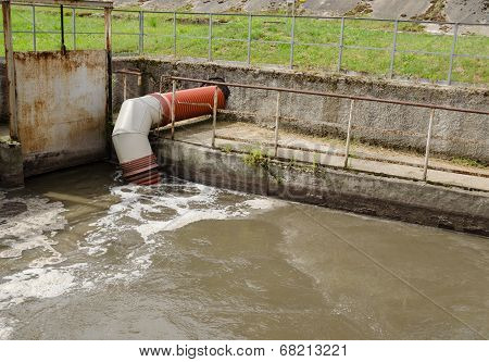 City Sewage Waste Water And Garbage Flow Pipe Tube