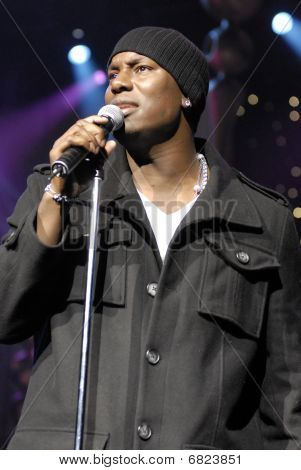 Tyrese performing live.