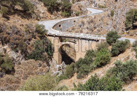 Bridge in the village Rodakino