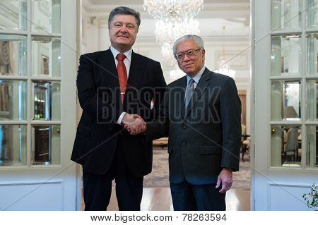 President Of Ukraine Petro Poroshenko And President Of Singapore Dr Tony Tan Keng Yam