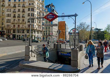 Metro Plaza De Espana