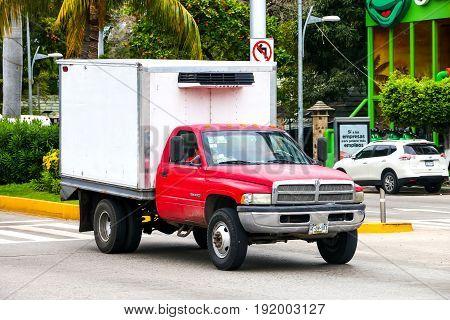 Dodge Ram 4000
