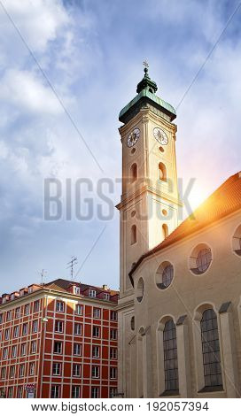 Heiliggeistkirche is a Gothic hall church in Munich (Hospice of the Holy Ghost (14th century))