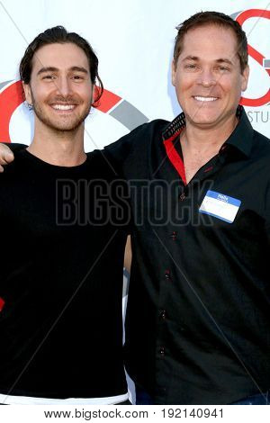 LOS ANGELES - JUN 15:  Sean Peavy, David Gray at the Gray Studios Showcase at the Grays Studios, 5250 Vineland Ave. on June 15, 2017 in North Hollywood, CA