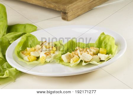 Lettuce whit roasted  Mexican Panela cheese, pineapple, salt and pepper