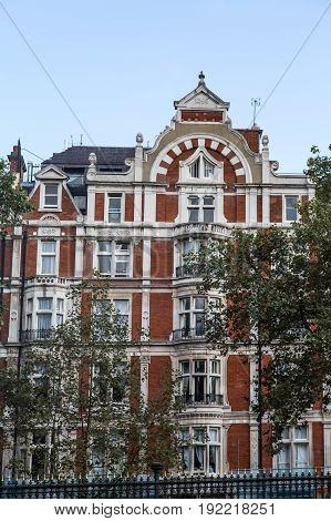 Luxury Flats in London Built in 1889