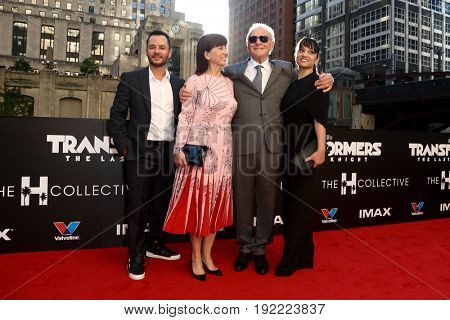 CHICAGO-JUN 20: Sir Anthony Hopkins (2nd R) and his wife Stella Arroyave (2nd L) attend the