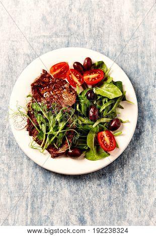 Grilled Steak with Leaf Vegetable Salad for Summer