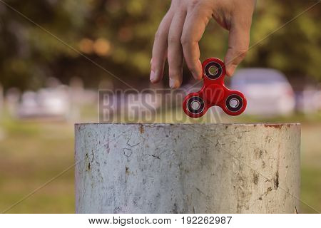 Red Hand Spinner, Fidgeting Hand Toy Rotating On Child's Finger