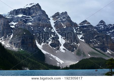 Moraine Lake in Banff National park,Canada attracts many visitors each year.