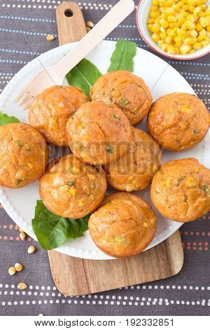 Savory muffins with corn, leek and cheese.