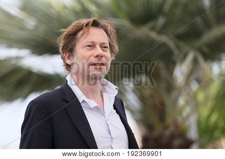 Mathieu Amalric attends the 'Barbara' photocall during the 70th annual Cannes Film Festival at Palais des Festivals on May 18, 2017 in Cannes, France.