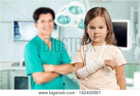 Girl little arm broken equipment palm female