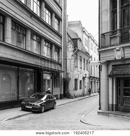 Eople On Zirgu Iela Street In Old Riga Town