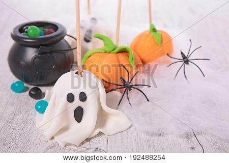 halloween pop cake