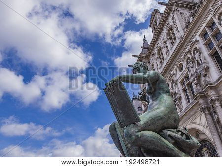 Sculpture La Science By Hotel De Ville (city Hall) In Paris