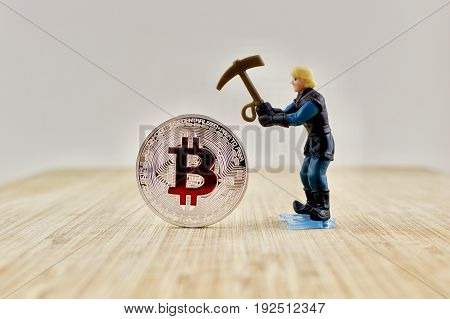 Red Bitcoin Mining
