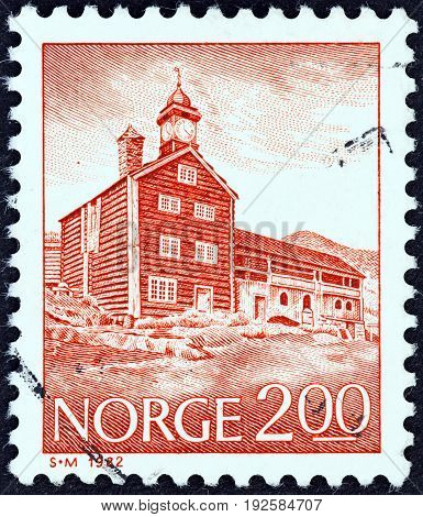 NORWAY - CIRCA 1982: A stamp printed in Norway shows Tofte royal residence, Dovre, circa 1982.