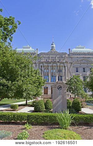 Indianapolis Indiana capitol building with blue sky