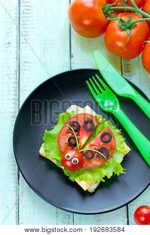 Ladybug sandwich - creative and fun food art idea for kids