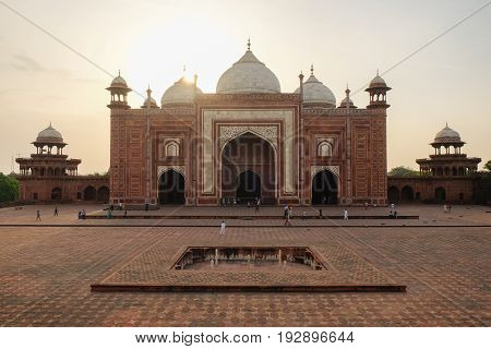 Mehman Khana of Taj Mahal Mehman Khana is a drawing room where guests are entertained in many houses in North India at Sunrise