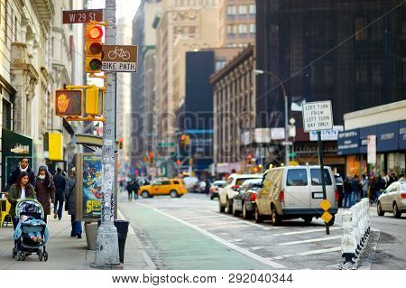 New York - March 16, 2015: Cars, Taxi Cabs And People Rushing On Busy Streets Of Downtown Manhattan.