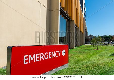 Bendigo, Australia - October 28, 2018: Emergency Department Of The New Bendigo Hospital, It Was Buil