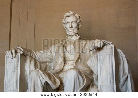Abraham Lincoln, Medium View