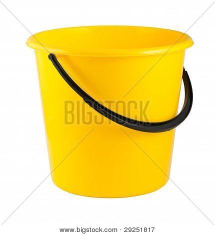 Gelbe Kunststoffeimer