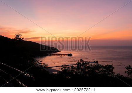 Beautiful Sunset And Beach In Koh Larn, Larn Island, Pattaya In Thailand