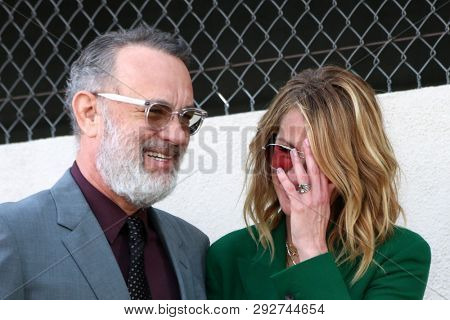 LOS ANGELES - MAR 29:  Tom Hanks, Julia Roberts at the Rita Wilson Star Ceremony on the Hollywood Walk of Fame on March 29, 2019 in Los Angeles, CA