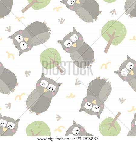 Seamless Pattern With Colorful Funny Owls. Funny Owl Vector Illustration.