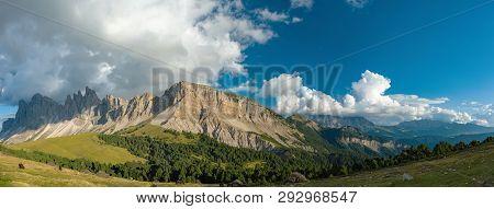 Autumn Geisler Or Odle Mountain Dolomites Group, Val Di Funes, Tourist Region Of Italy