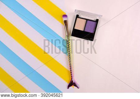 Palette Of Eyeshadows In Beige Lilac Tones,  Shimmer Eyeshadows         . Autumn Eyeshadow Palette